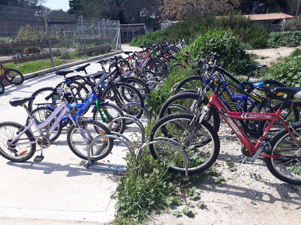 Fietsen in fietsenstalling